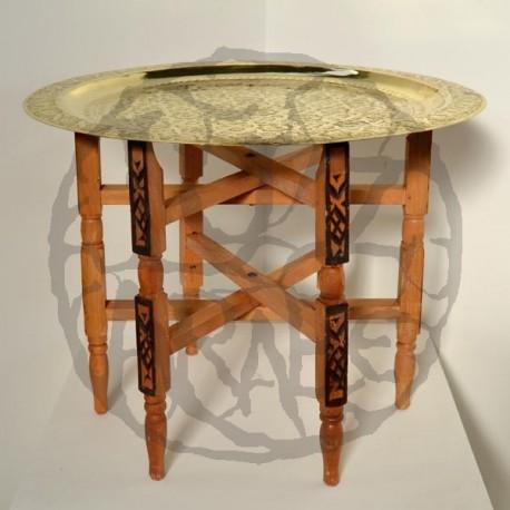 Teetisch von Faltung Schenkel mit tablett von geschnitzt messing