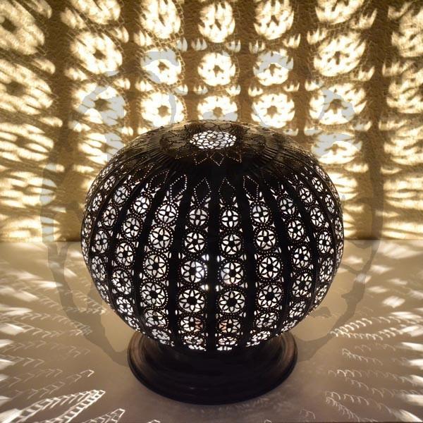 Acheter lampe poser de forme sph re ajour e en fer for Grosse lampe a poser