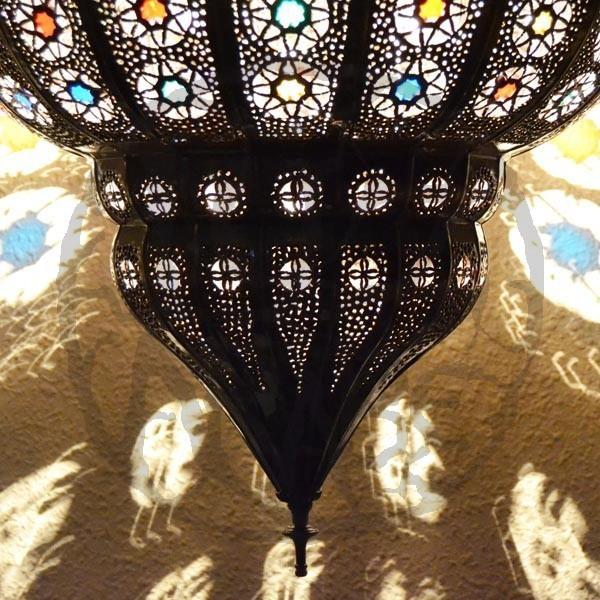 Acquista Lampadario grande forma melograno di ferro bronzato traforato e rocce cristalline ...