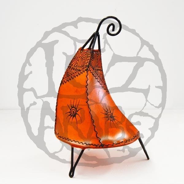 Kaufen koboldhut tischlampe aus leder mit henna bemalt 35 cm for Marokkanische tischlampe