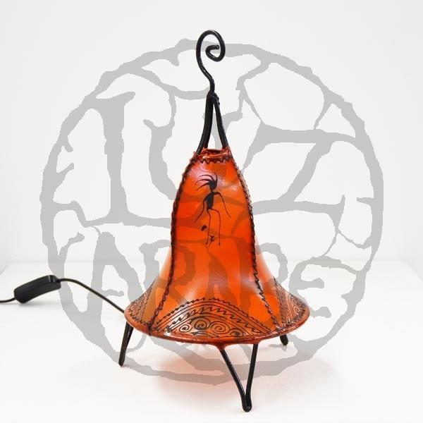 Kaufen glockenform tischlampe aus leder mit henna bemalt 35 cm for Marokkanische tischlampe