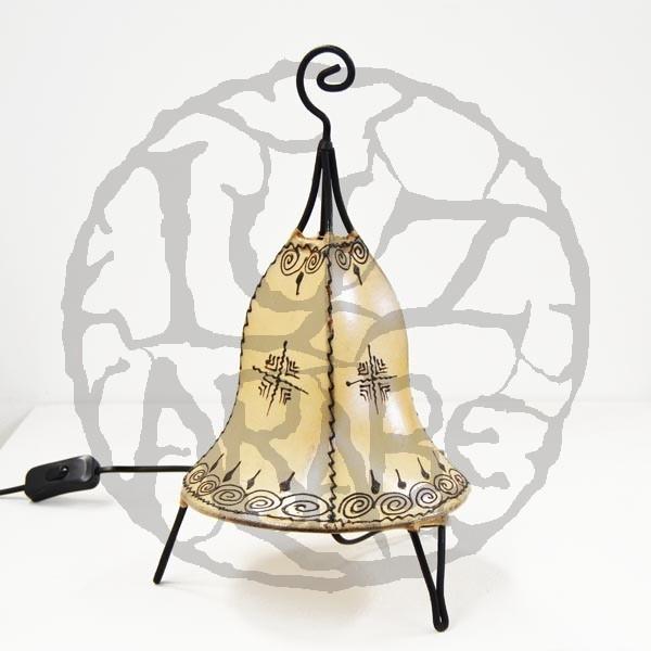 Acquista Lampadario forma a campana in pelle dipinta con l ...