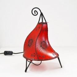 Hahn-form tischlampe aus leder mit henna bemalt