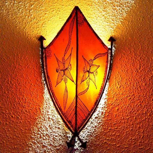 ... African style leather wall sconce with arrows ...  sc 1 st  Luz Arabe & Buy hand-painted leather sconce of african style with arrows 43 cm azcodes.com