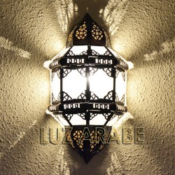 Andalusian sconce of openwork nickel and opaque white crystal