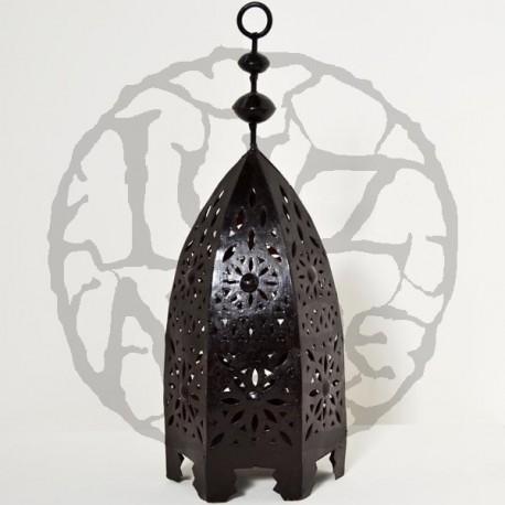 Lanterna em ferro perfurada forma minarete hexagonal