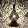 Lampada da tavolo marocchina in rame traforato a forma di lacrima da Fez