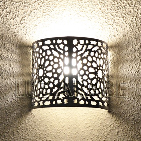 Moroccan wall light of pierced aluminum with damask pattern
