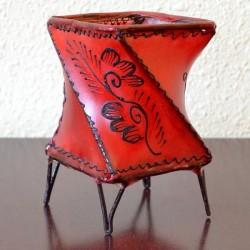 Castiçal twist de couro pintado com henna