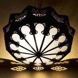 Plafoniera pendente di ferro traforato e vetro bianco