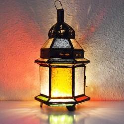 Kerze Laterne aus farbigem glas und durchbohrte bronzene