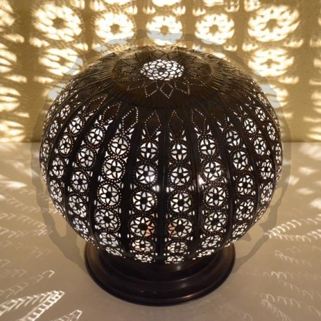 Sphere shape table lamp of openwork bronzed iron