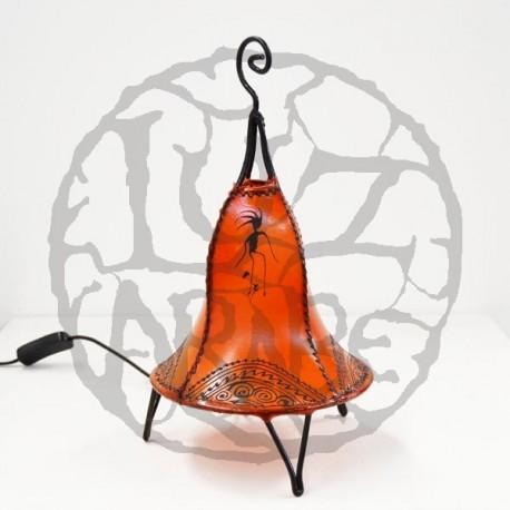 Candeeiro de mesa forma de sino de couro pintado com henna