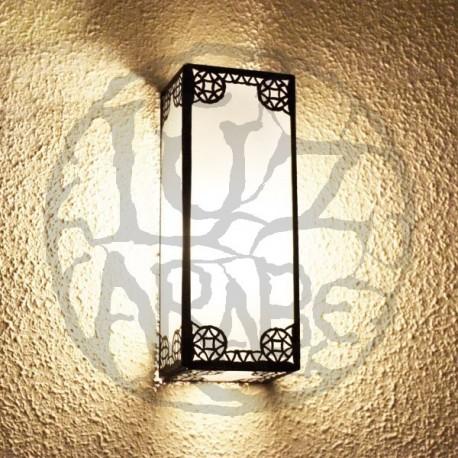 Aplique de parede retangular de ferro bronzeado e vidro branco