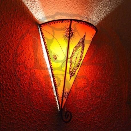 Applique la lys en cuir peint