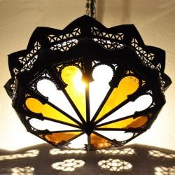Abat-jour arabe de fer ajouré et verre bicolor