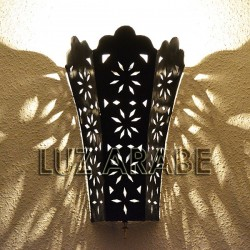 Lily shape wall sconce of openwork iron