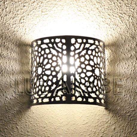 Candeeiro de parede marroquino de alumínio perfurado com desenho damasceno